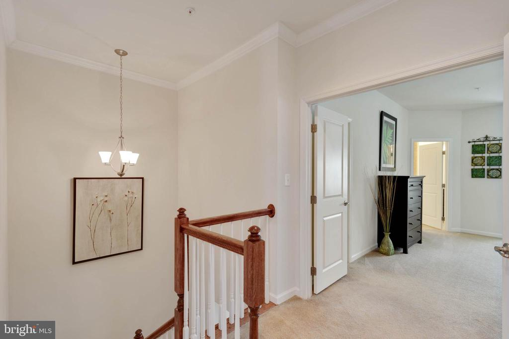 High Ceilings & Molding - 42091 PIEBALD SQ, ALDIE