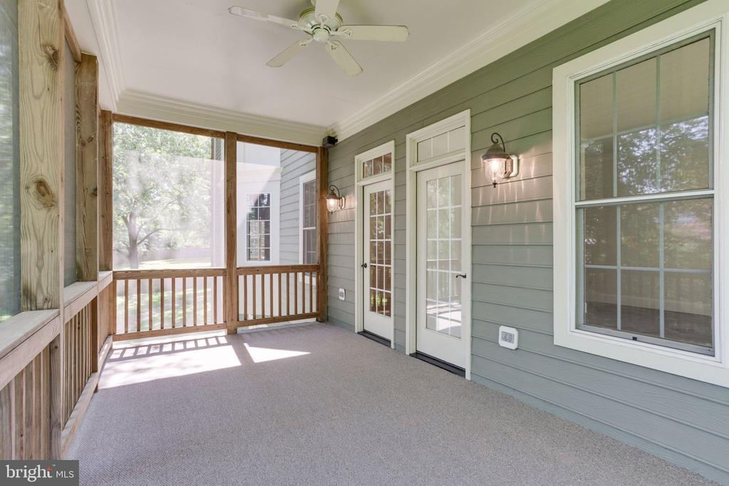 Dual access to porch from office & sunroom - 1843 HUNTER MILL RD, VIENNA