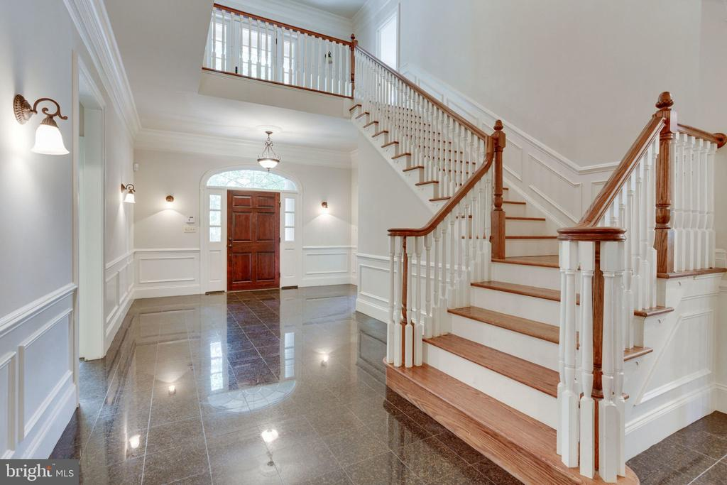 Spacious foyer perfect for welcoming guests - 1843 HUNTER MILL RD, VIENNA