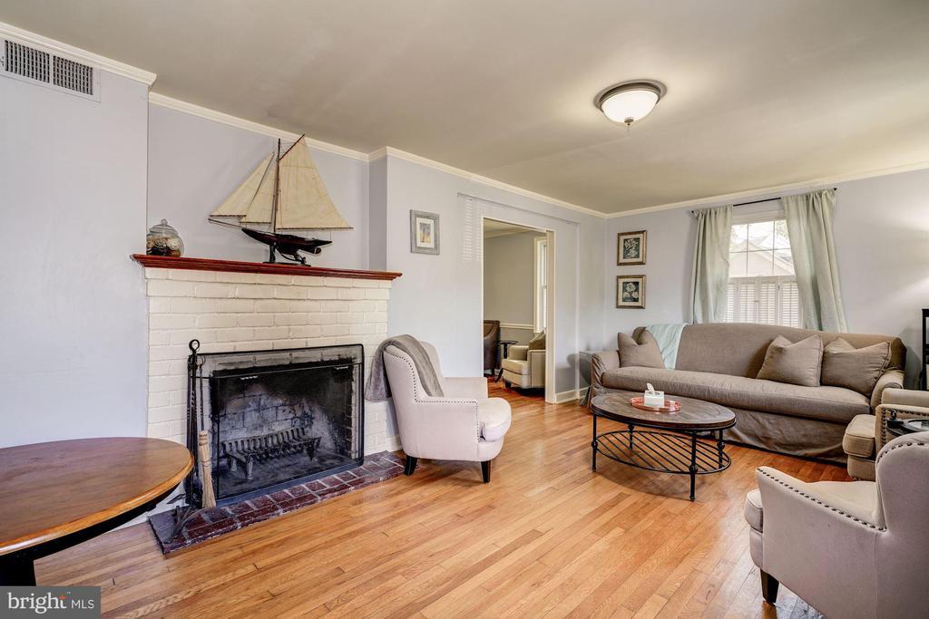 Living Room - 716 UPLAND PL, ALEXANDRIA