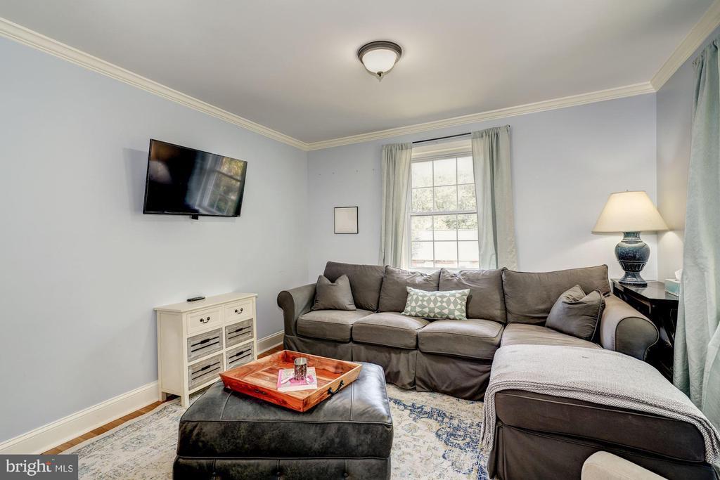 amily Room or Main Level Bedroom - 716 UPLAND PL, ALEXANDRIA