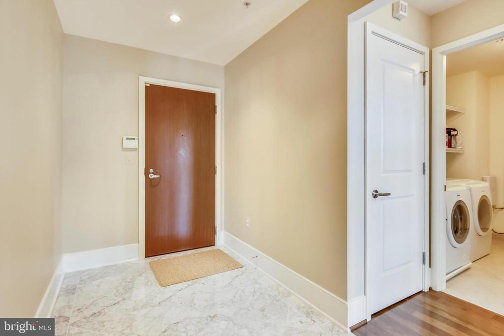 Entry foyer - 4301 MILITARY RD NW #PH2, WASHINGTON