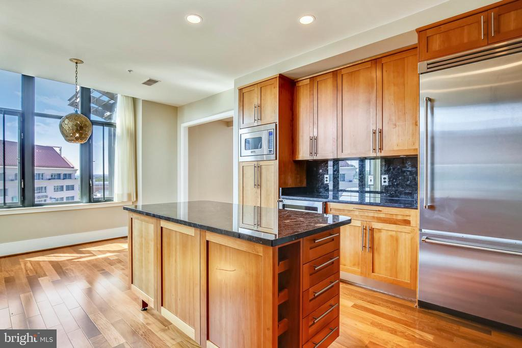 Kitchen/breakfast area - 4301 MILITARY RD NW #PH2, WASHINGTON