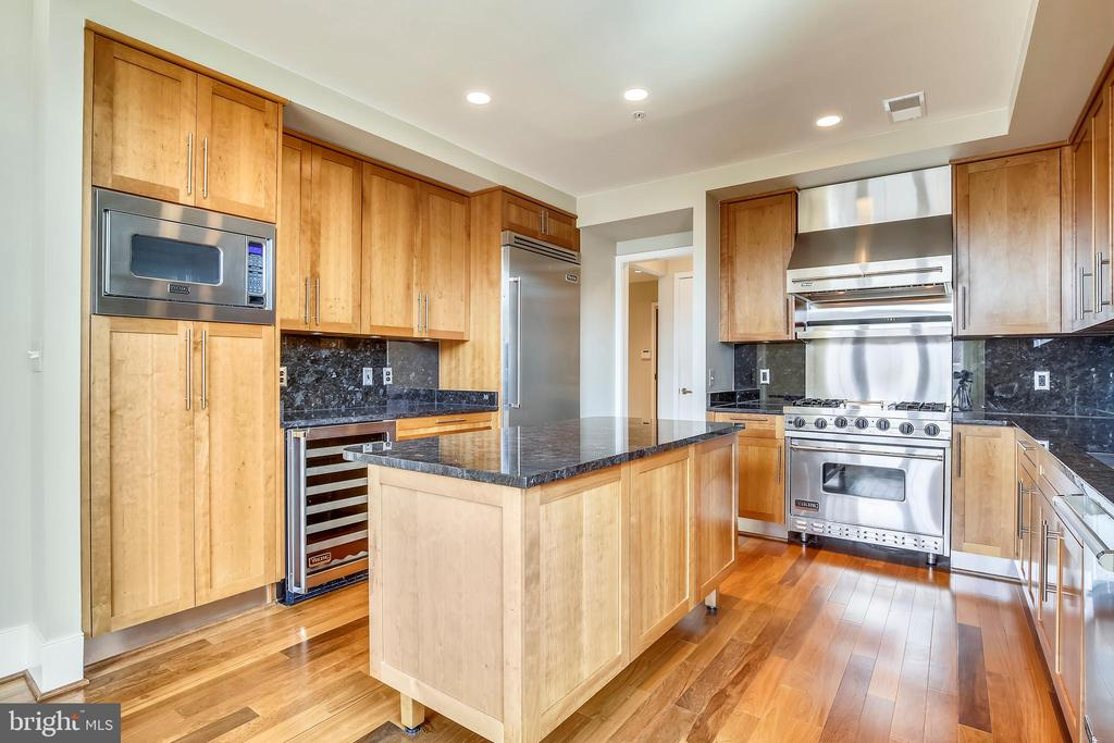 Stainless steel kitchen appliances - 4301 MILITARY RD NW #PH2, WASHINGTON