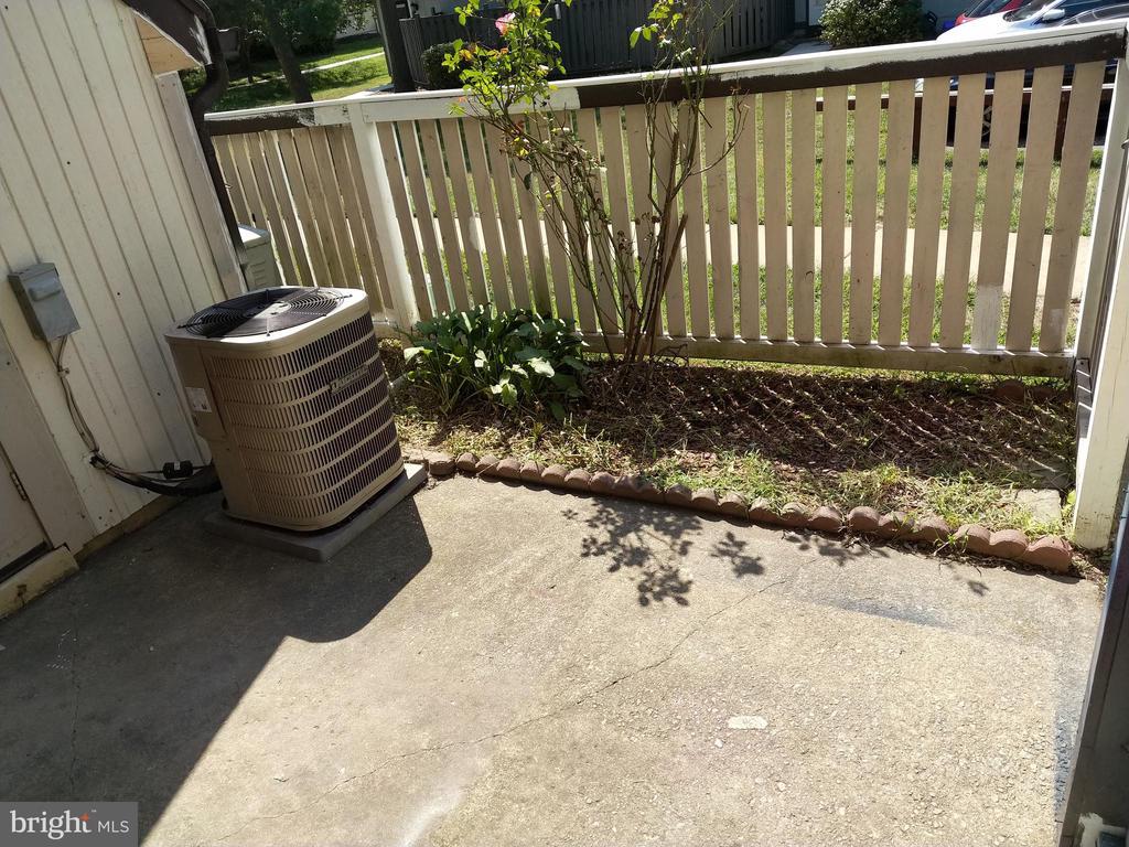 Fenced in patio area. - 3827 EL CAMINO PL #13, ALEXANDRIA