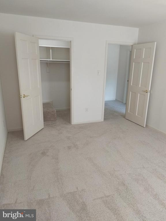 Large bedroom with walk in closet - 3827 EL CAMINO PL #13, ALEXANDRIA