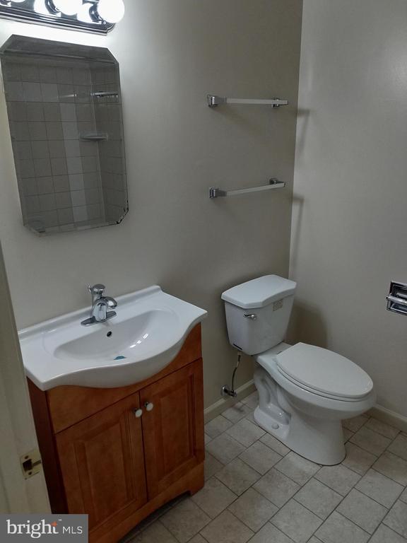 Full bath - 3827 EL CAMINO PL #13, ALEXANDRIA