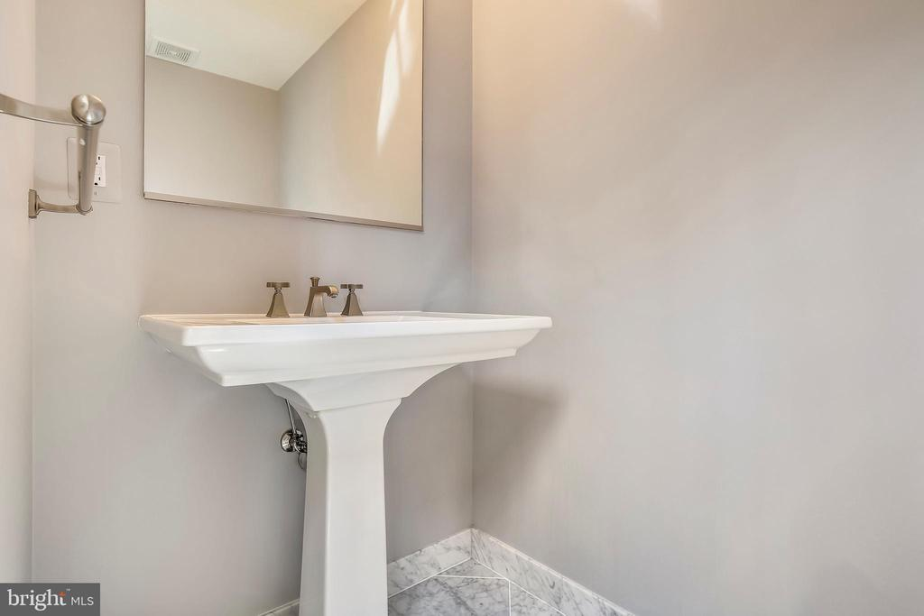 Powder room - 4301 MILITARY RD NW #PH2, WASHINGTON