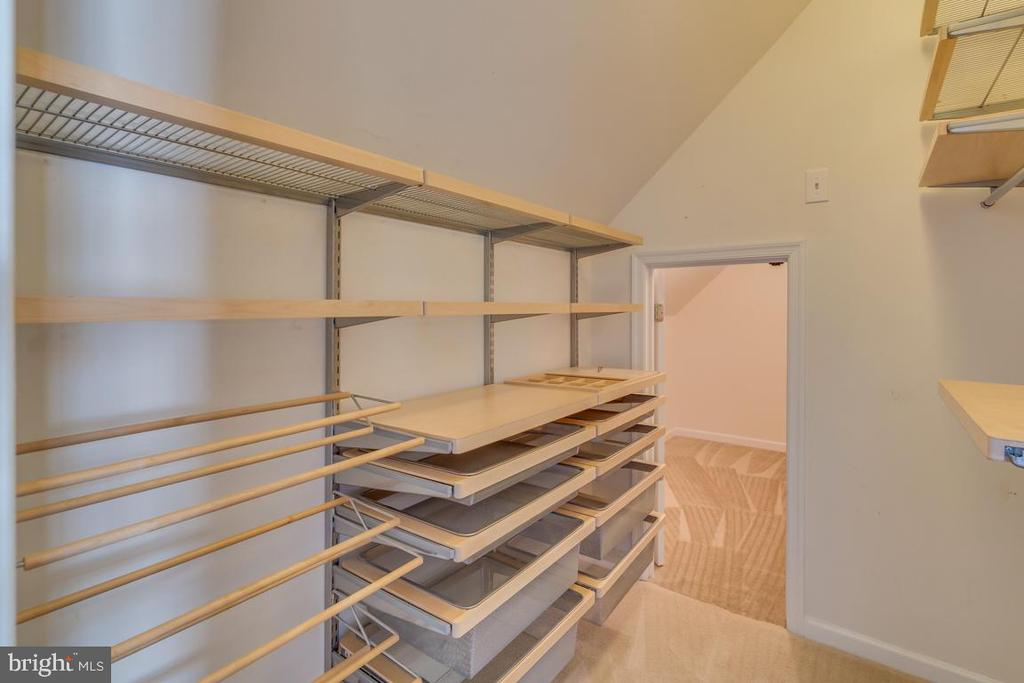 Master Bed walk-in closet #1 - 20210 HIDDEN CREEK CT, ASHBURN