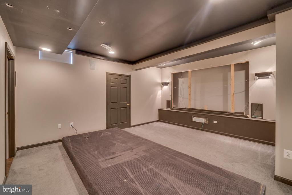 Basement Theater Room - 20210 HIDDEN CREEK CT, ASHBURN
