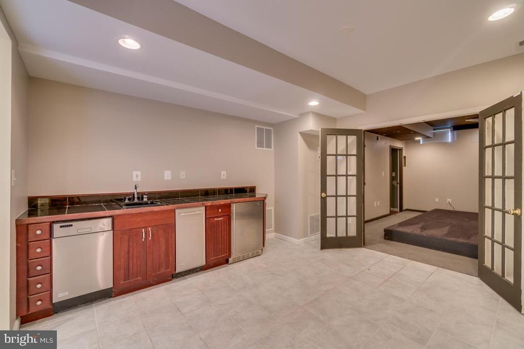 Basement  Wet-Bar and Theater Room - 20210 HIDDEN CREEK CT, ASHBURN