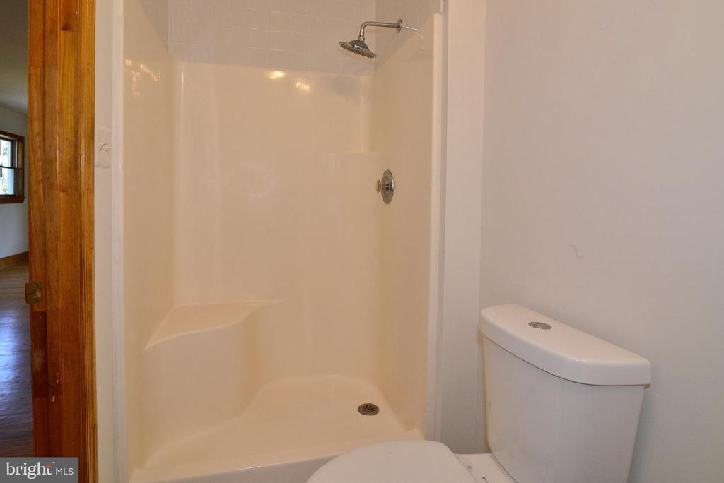 Master Bathroom - 3109 WOODLAND LN, ALEXANDRIA
