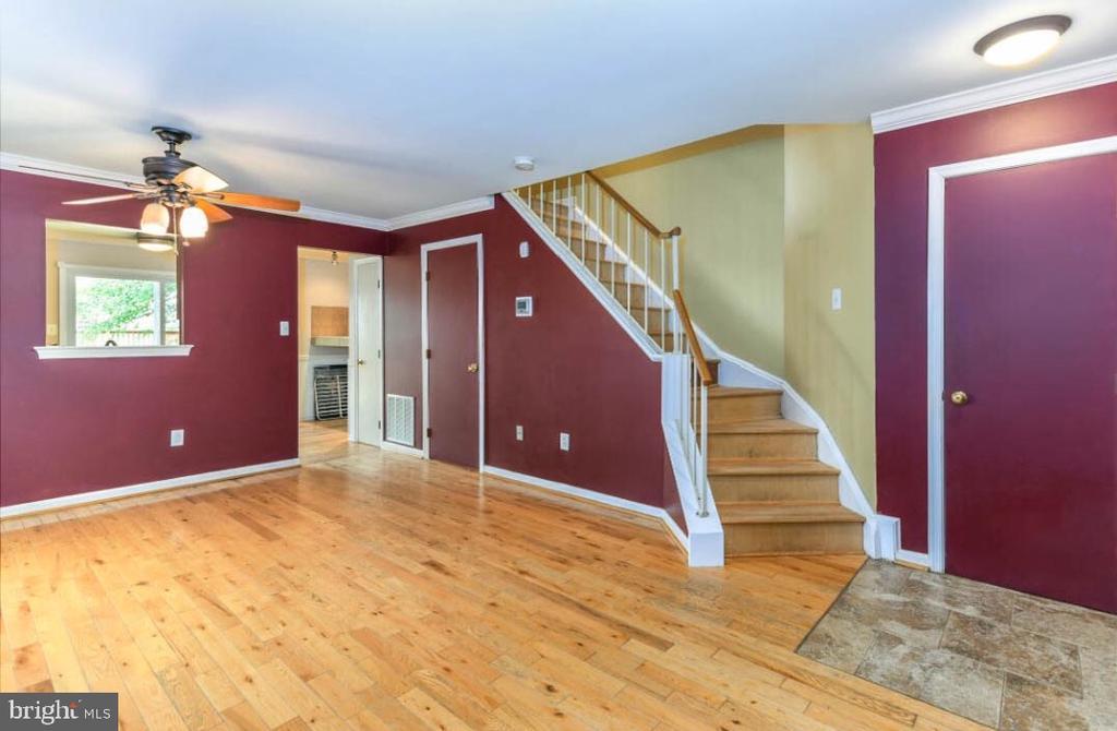 Living Room - 5734 HARRIER DR, CLIFTON