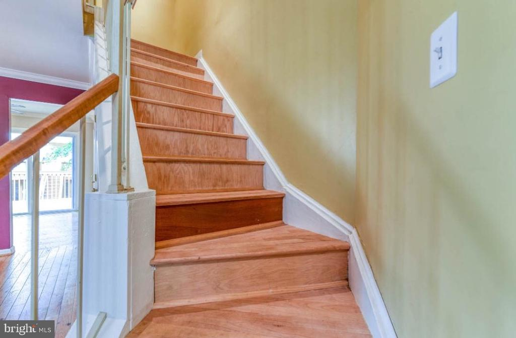 Stairs - 5734 HARRIER DR, CLIFTON