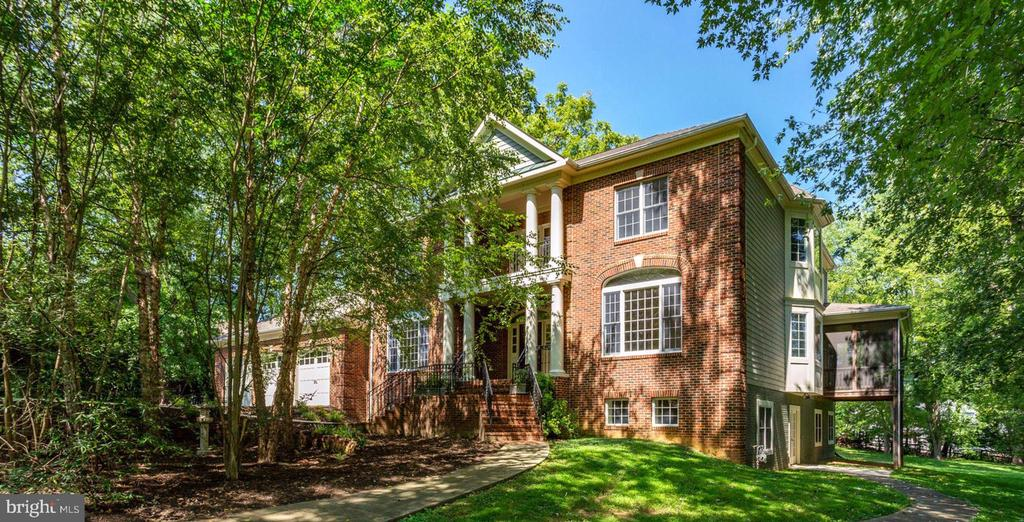 One-of-a-kind Custom Built Home - 1843 HUNTER MILL RD, VIENNA