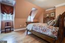 Such great space! - 1011 N WASHINGTON ST, ALEXANDRIA