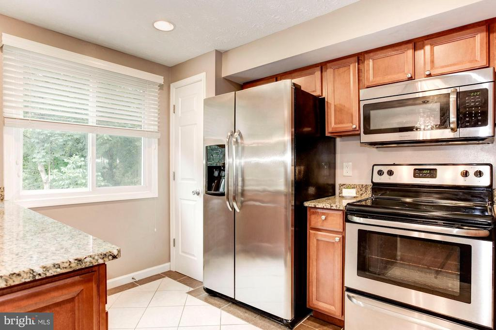 Kitchen - Deep Pantry & Recess Lighting! - 6115 GARDENIA CT, ALEXANDRIA