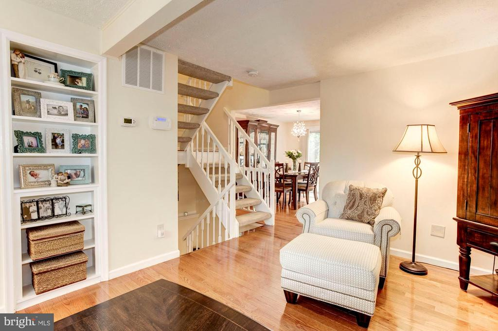Living Room - 6115 GARDENIA CT, ALEXANDRIA