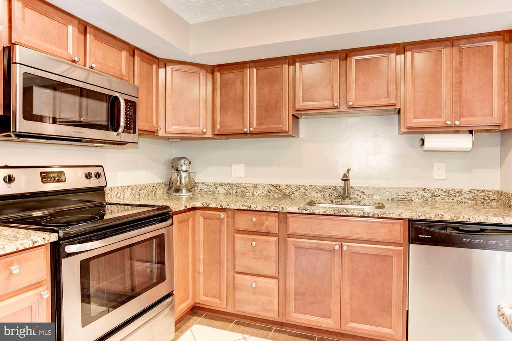 Kitchen - Beautifully Upgraded Cabinetry! - 6115 GARDENIA CT, ALEXANDRIA