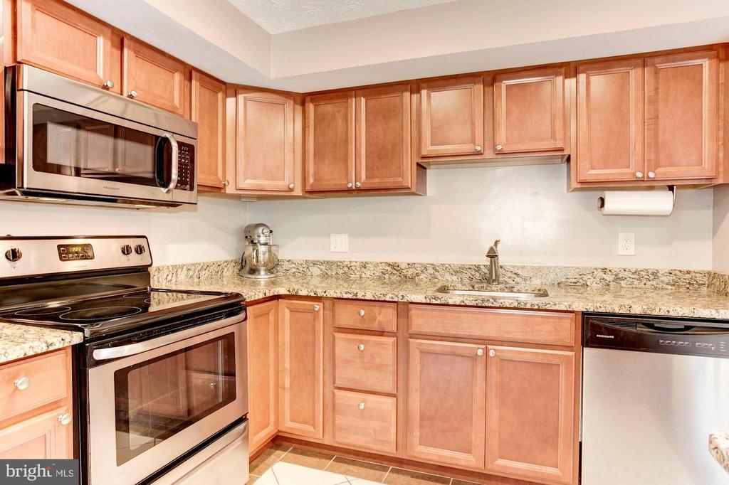 Kitchen - Beautifully Upgraded Cabinetry! - 6115 GARDENIA CT, ALEXANDRIA