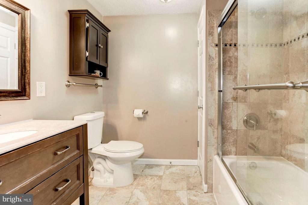 Master Bathroom - Spacious, Beautifully Renovated! - 6115 GARDENIA CT, ALEXANDRIA