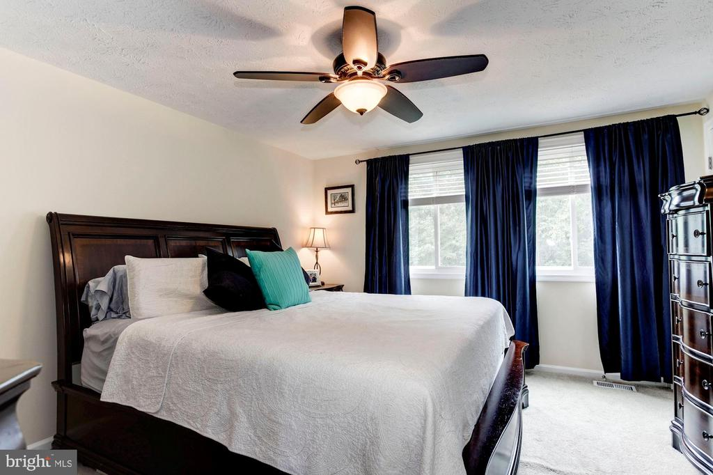 Master Bedroom - A King Size Bed Fits EASILY! - 6115 GARDENIA CT, ALEXANDRIA