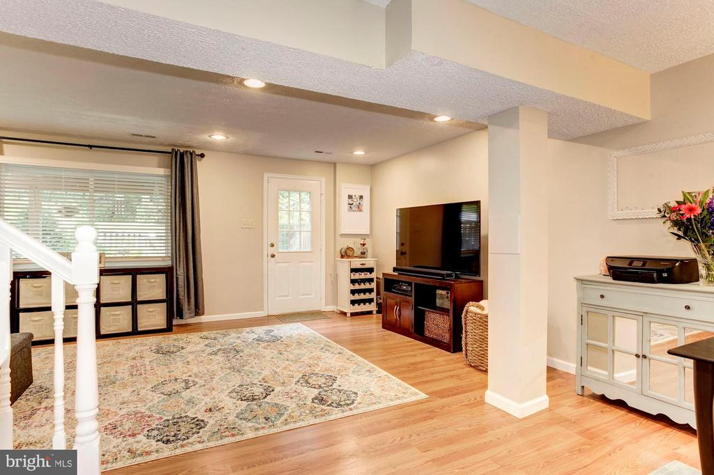 Basement/Family Room/Rec Room - Walk-Out Level! - 6115 GARDENIA CT, ALEXANDRIA
