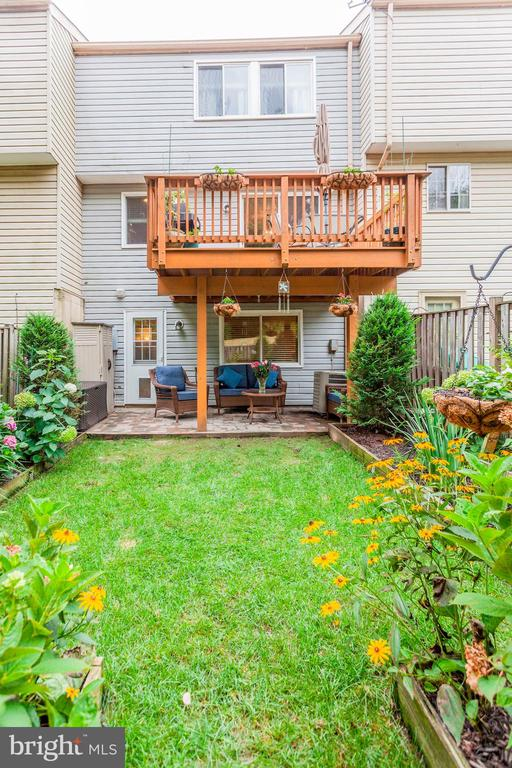 Back Yard - Kick Off Your Shoes & Relax! - 6115 GARDENIA CT, ALEXANDRIA