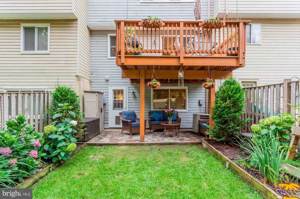 Back Yard - Pretty as a Post Card! - 6115 GARDENIA CT, ALEXANDRIA