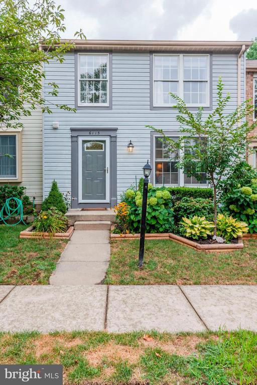 Brand New Front Door & Brand New Storm Door! - 6115 GARDENIA CT, ALEXANDRIA