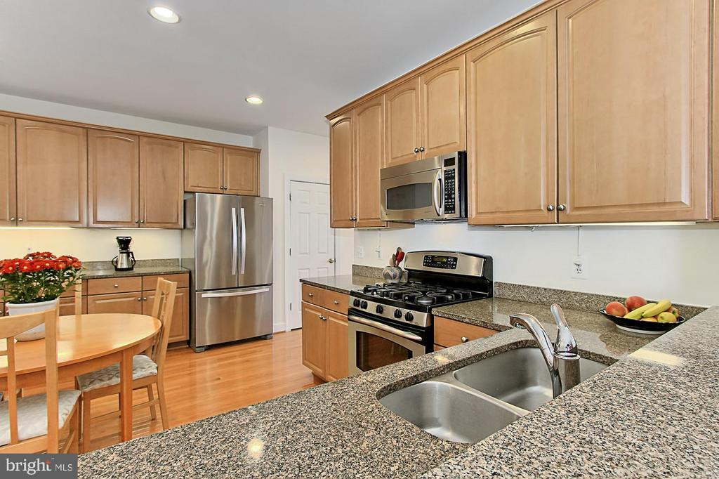 - 13939 MALCOLM JAMESON WAY, CENTREVILLE