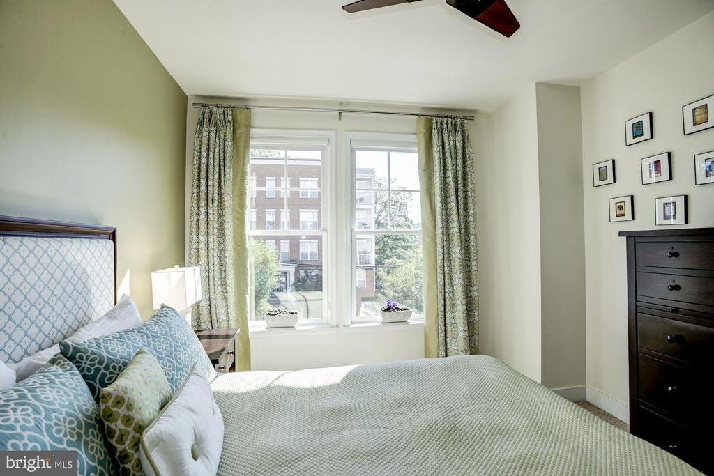 An abundance of sunlight in second bedroom - 1418 N RHODES ST #B102, ARLINGTON