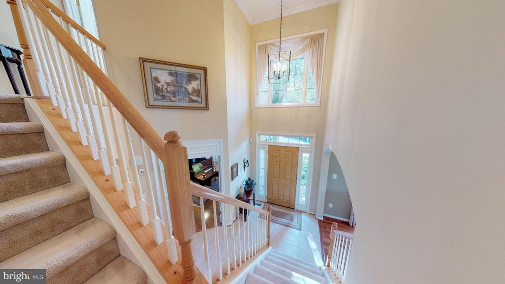 Let's Go Upstairs! - 20386 CLIFTONS POINT ST, POTOMAC FALLS