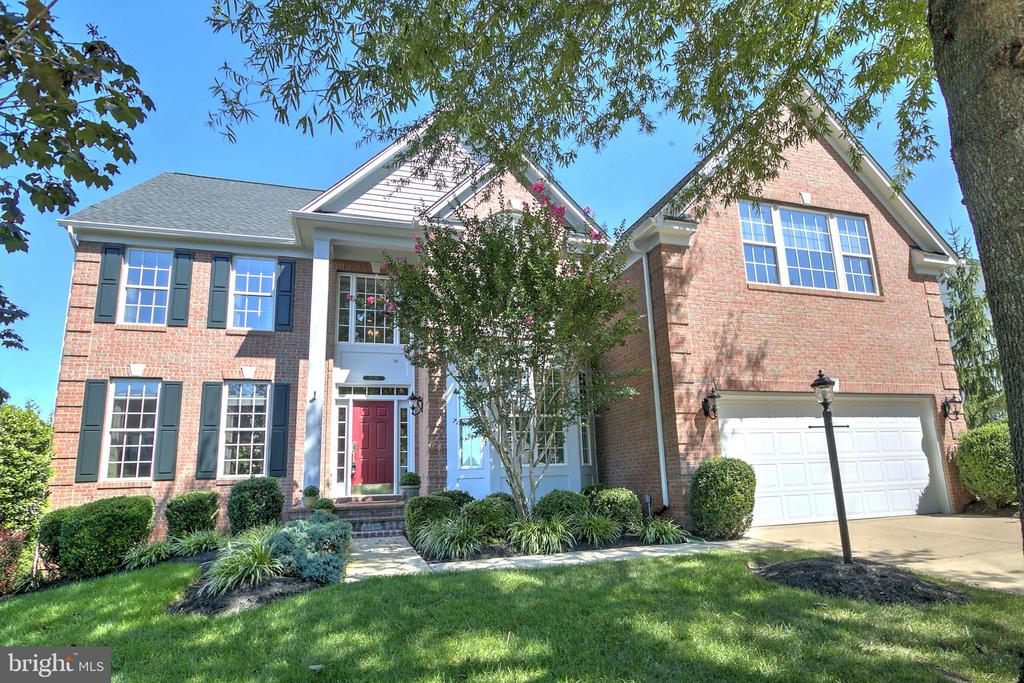Gorgeous Brick Colonial - 20386 CLIFTONS POINT ST, POTOMAC FALLS