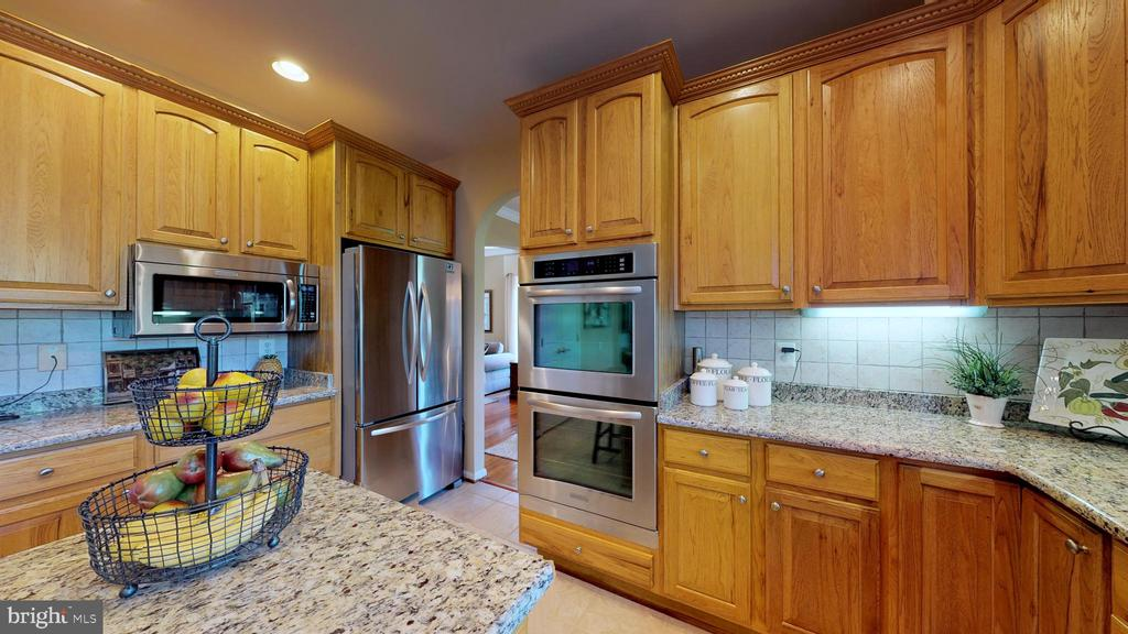 Stainless Appliances - 20386 CLIFTONS POINT ST, POTOMAC FALLS