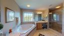Remodeled Master Bath - 20386 CLIFTONS POINT ST, POTOMAC FALLS