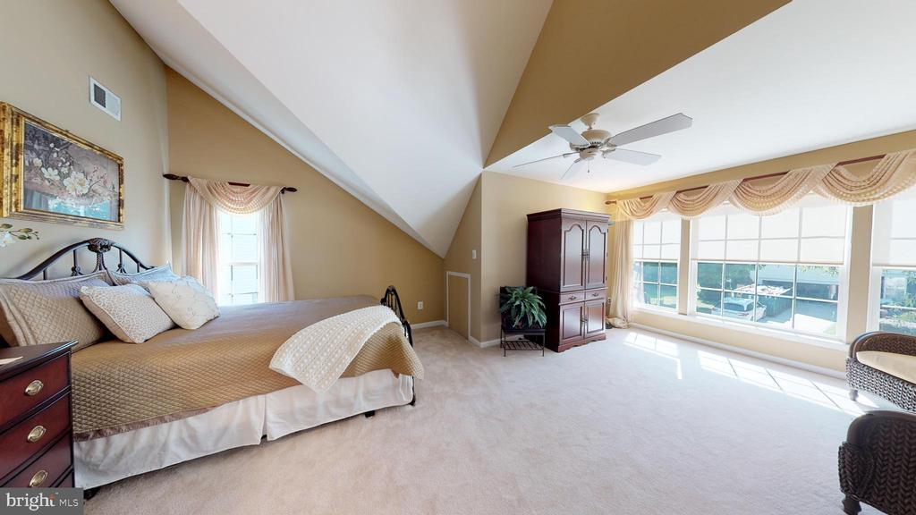 Bedroom 3 is Huge! - 20386 CLIFTONS POINT ST, POTOMAC FALLS