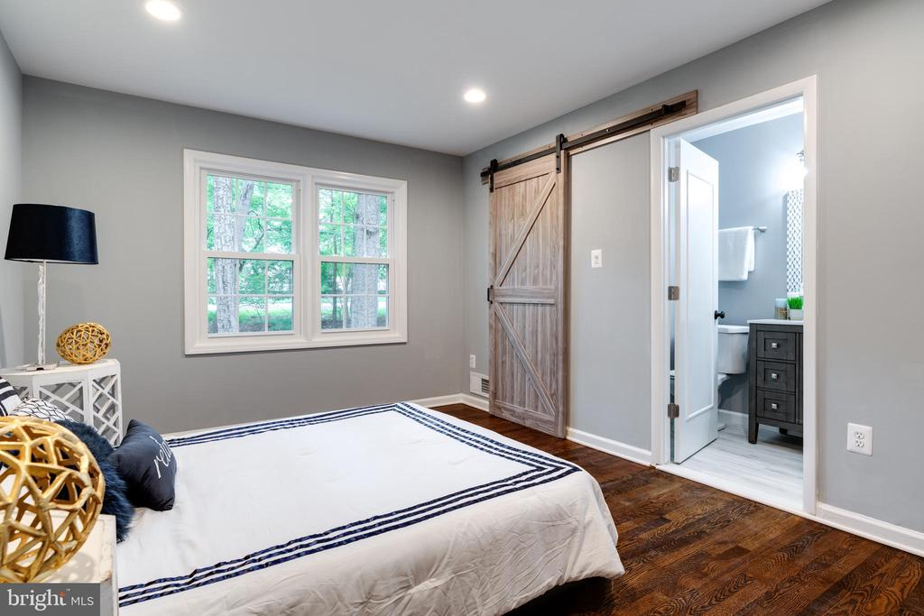 Beautiful Master Bedroom! - 12008 TROTTER LN, RESTON