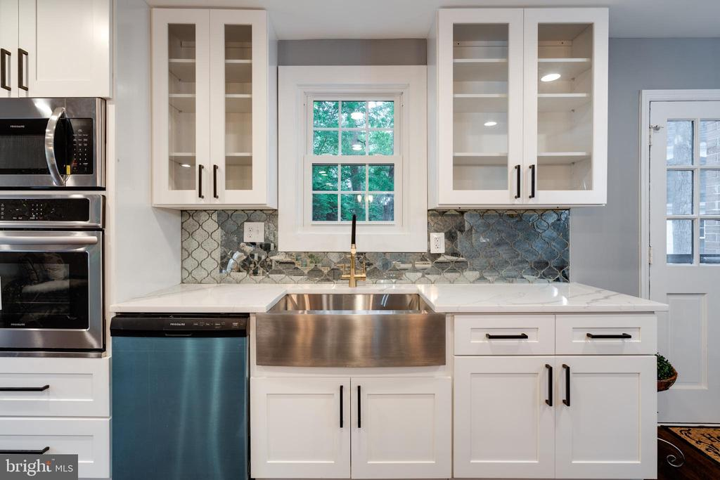 Breathtaking Custom Designed Kitchen! - 12008 TROTTER LN, RESTON