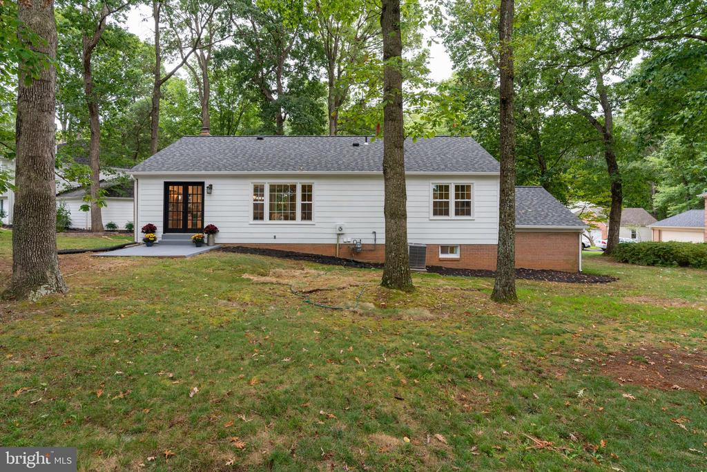 Beautiful Large Backyard! - 12008 TROTTER LN, RESTON