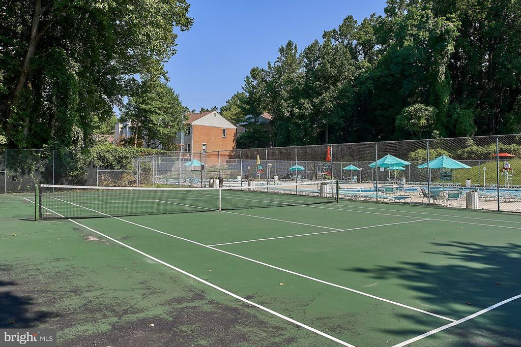 Community/Tennis Court - 10607 KENILWORTH AVE #K-104, BETHESDA