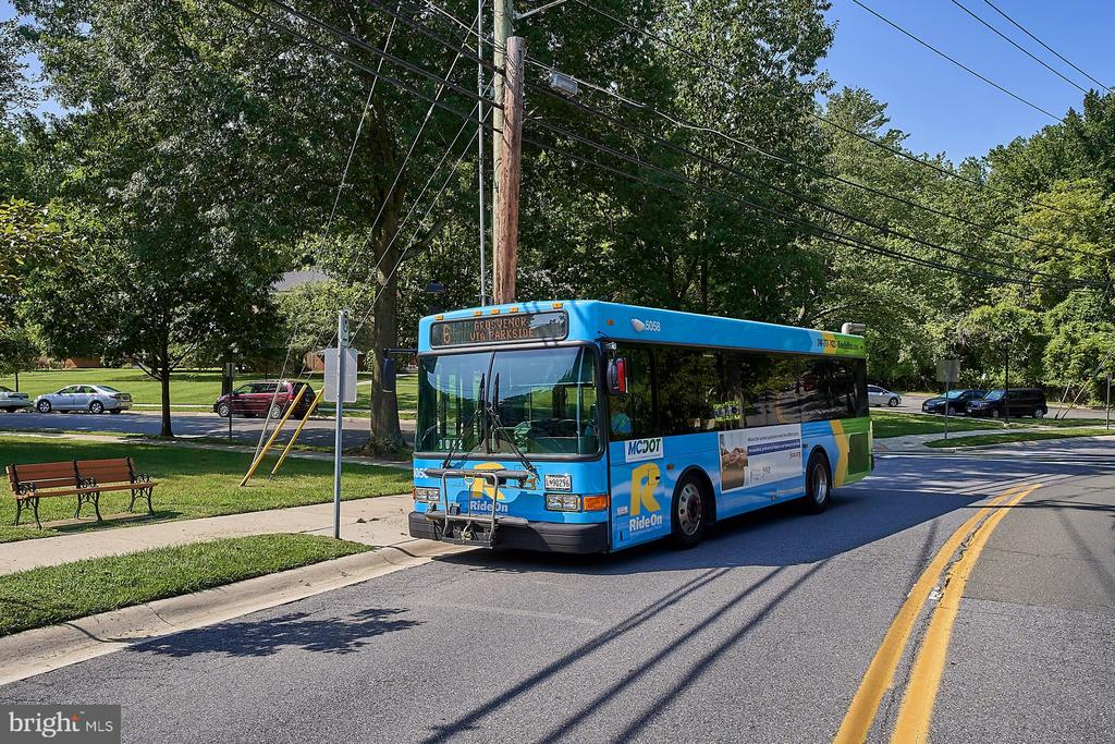 Community/Bus to Metro - 10607 KENILWORTH AVE #K-104, BETHESDA