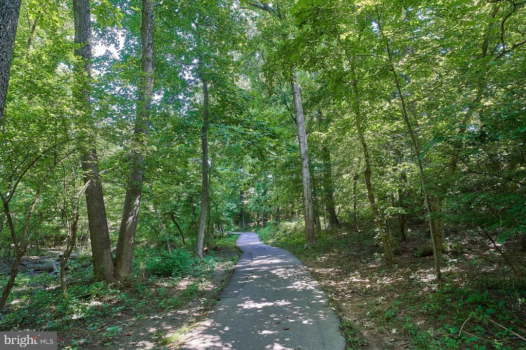 Walking Path to Metro - 10607 KENILWORTH AVE #K-104, BETHESDA