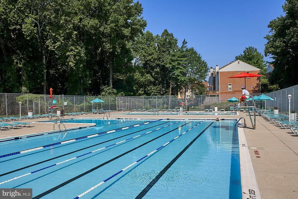 Community/Pool - 10607 KENILWORTH AVE #K-104, BETHESDA