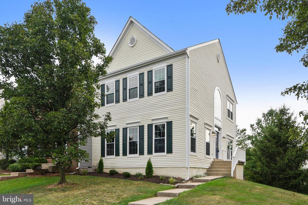 Amazing 3BR, 2.5 baths ~~2200+sq ft! - 44127 ALLDERWOOD TER, ASHBURN