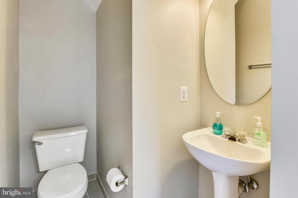 Main level powder room, new tile! - 44127 ALLDERWOOD TER, ASHBURN