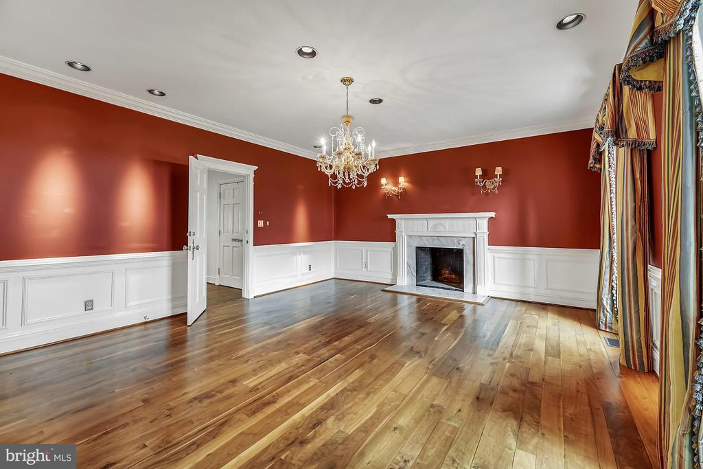 Grand dining room - 13224 LONGNECKER RD, GLYNDON