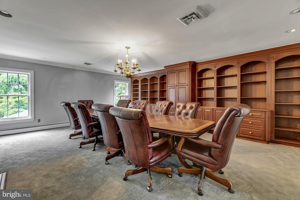 Board Room - 13224 LONGNECKER RD, GLYNDON