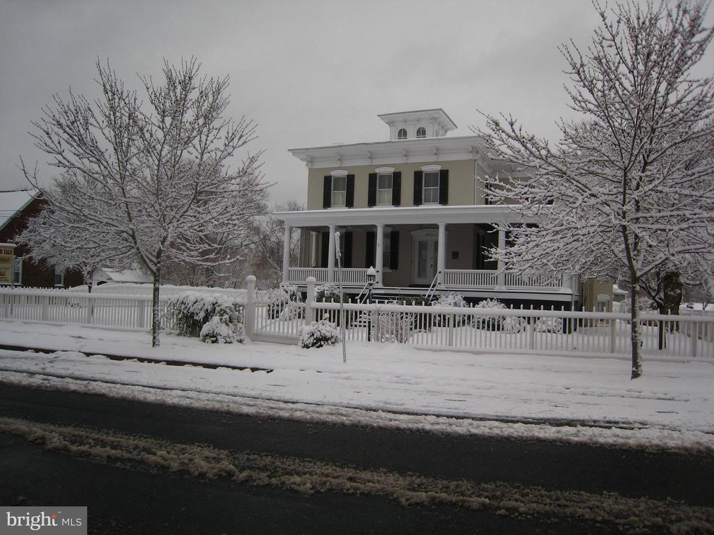 WINTER SNOW AT