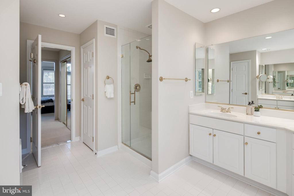 Clean and Inviting - 2131 N SCOTT ST, ARLINGTON
